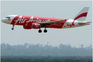 Airbus A320 de AirAsia antes de aterrizar en Kuala Lumpur en julio. / AHMAD YUSNI (EFE)